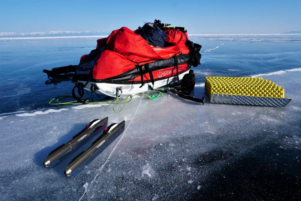 Pulkka cargado con todo el material y comida para la expedición de 12 días