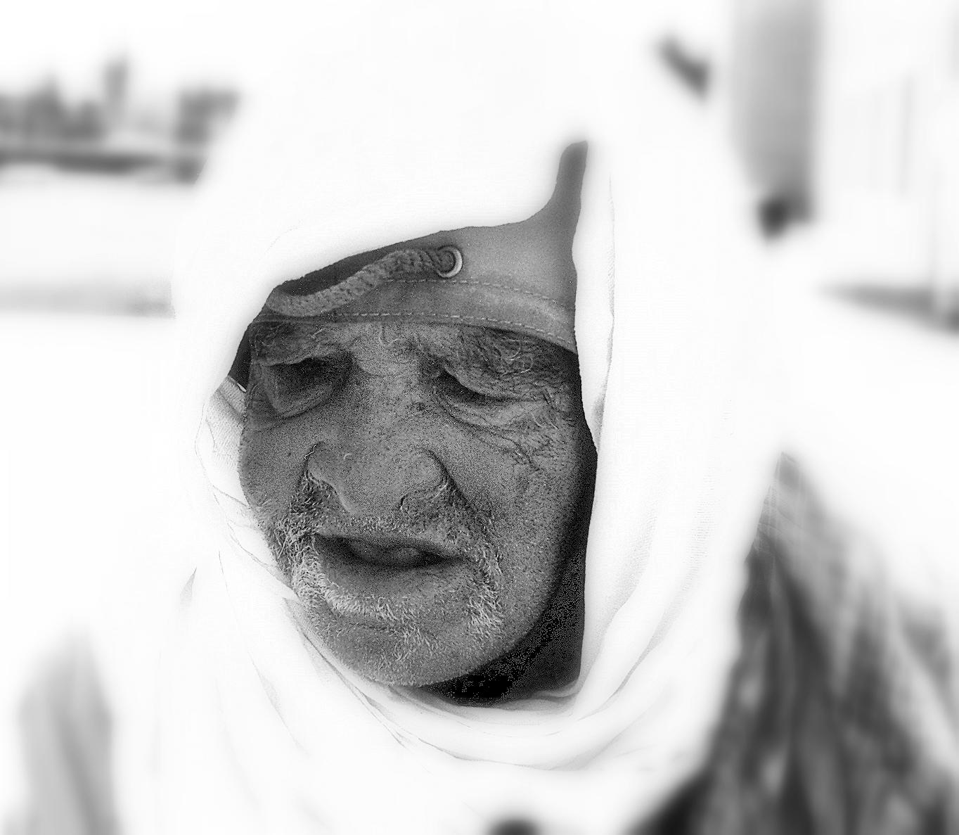 ...el anciano lloró durante un rato... (Fotografía: Jimber)