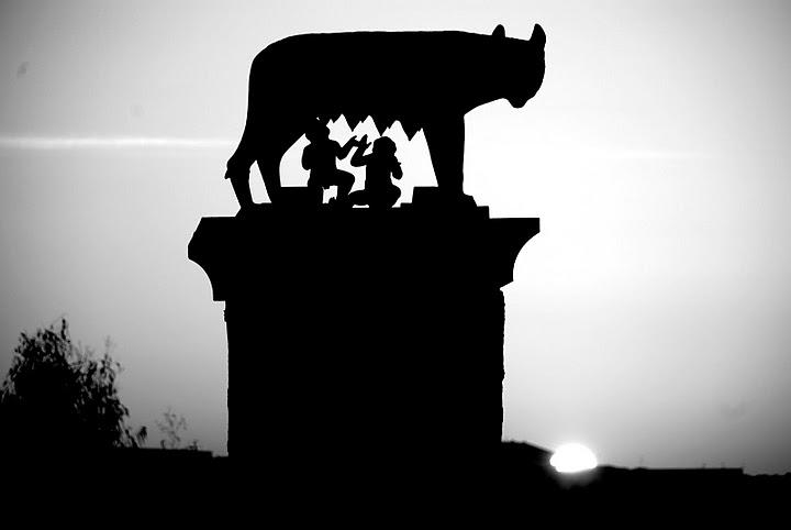 """""""La piedra de la luz"""" iluminaba la noche de Mérida"""