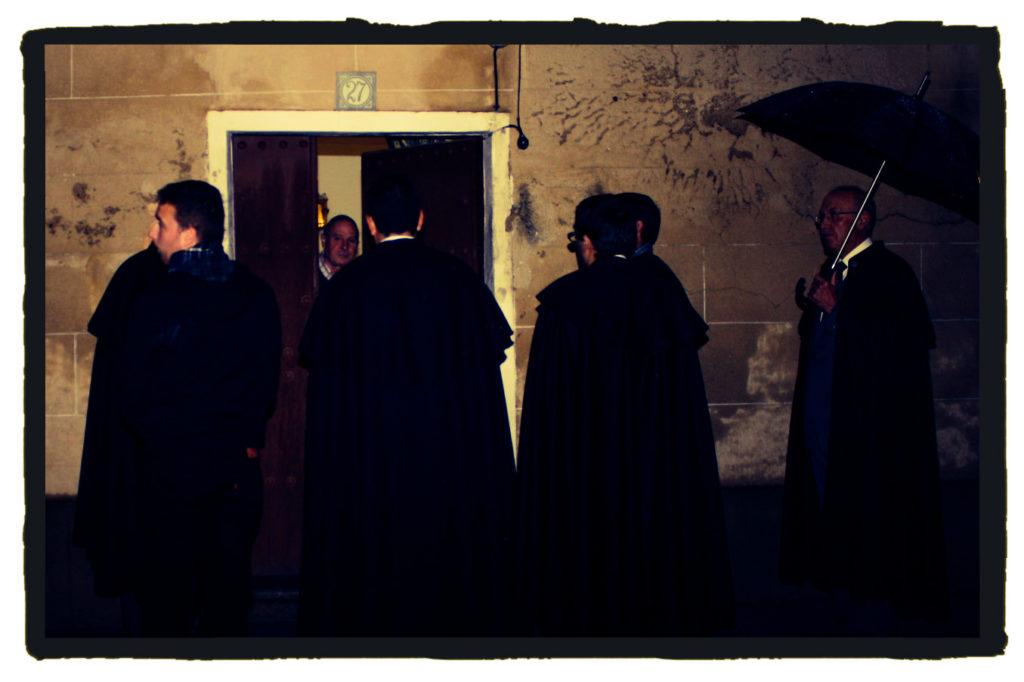 La Cofradías de Ánimas recorre en la Noche de Reyes el pueblo de Casar de Cáceres (A. Briz)