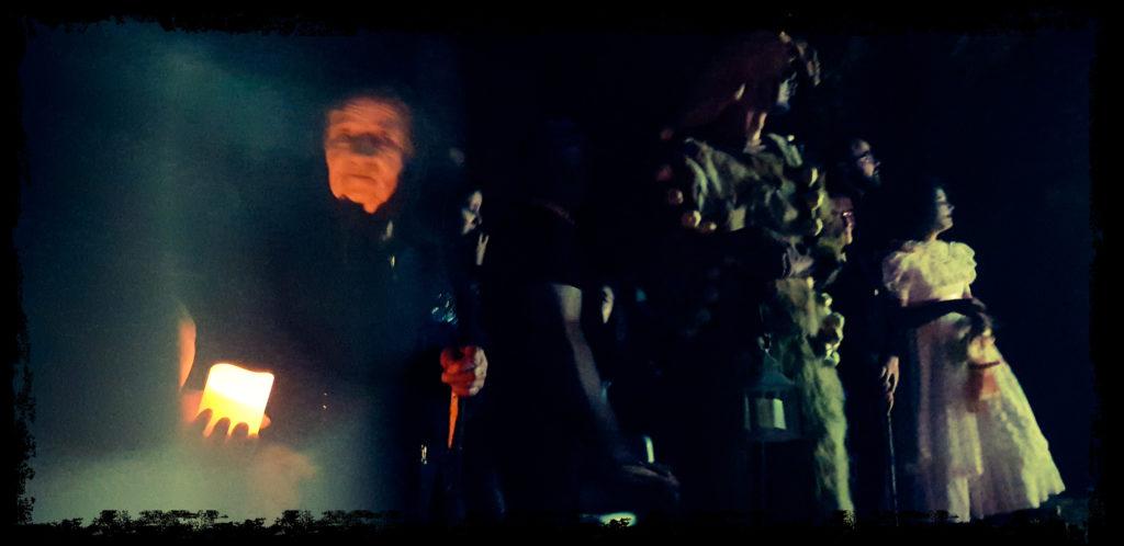 Inquietantes personajes emergen en la oscuridad de las sierras. (Extremadura Secreta)