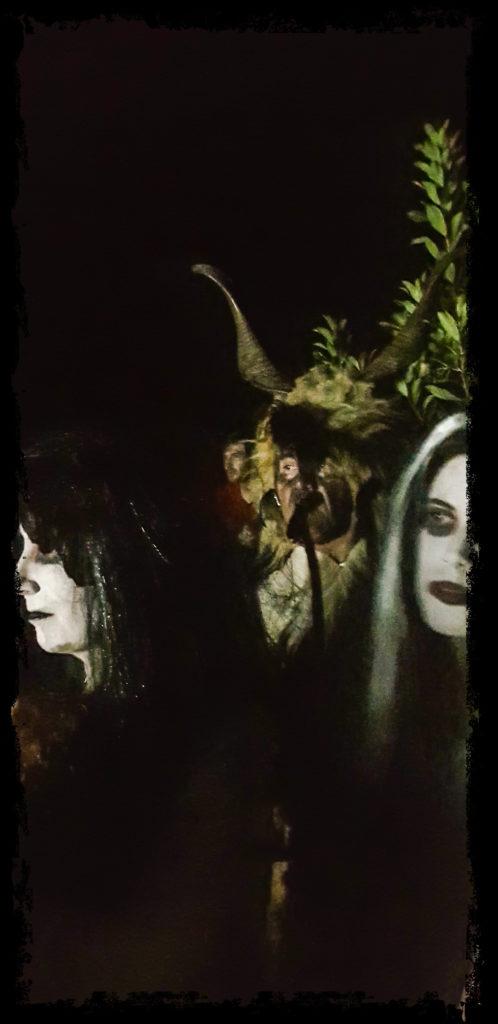 La procesión de las ánimas se alía con extraños personajes (Extremadura Secreta)