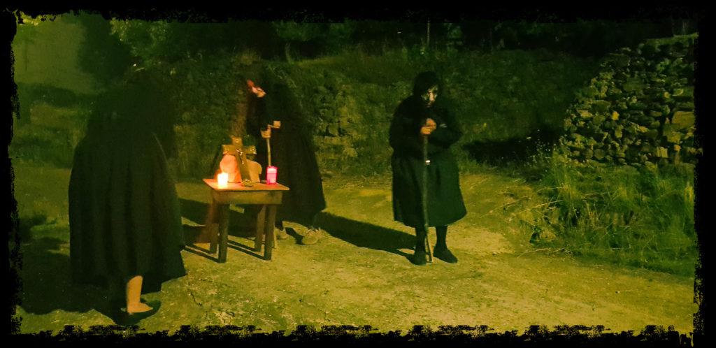 Las encorujás, las brujas hurdanas, aparecen en los cruces de caminos(Extremadura Secreta)