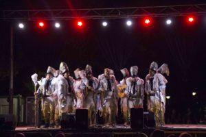 Momento de la actuación de Dakipakasa en Navalmoral