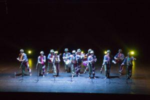 Actuación de la comparsa de Tino en el Palacio de Congresos de Badajoz