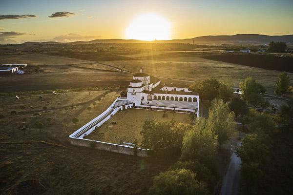 Caída de la tarde en la ermita de Belén. / Víctor Gibello